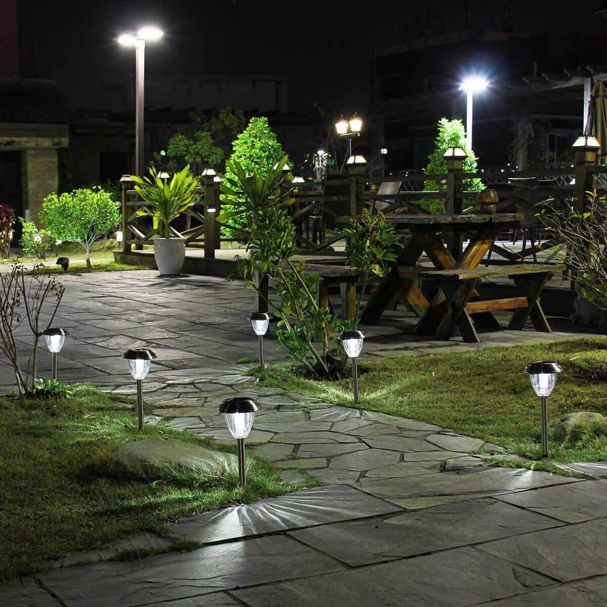 đèn dây trang trí quán cafe