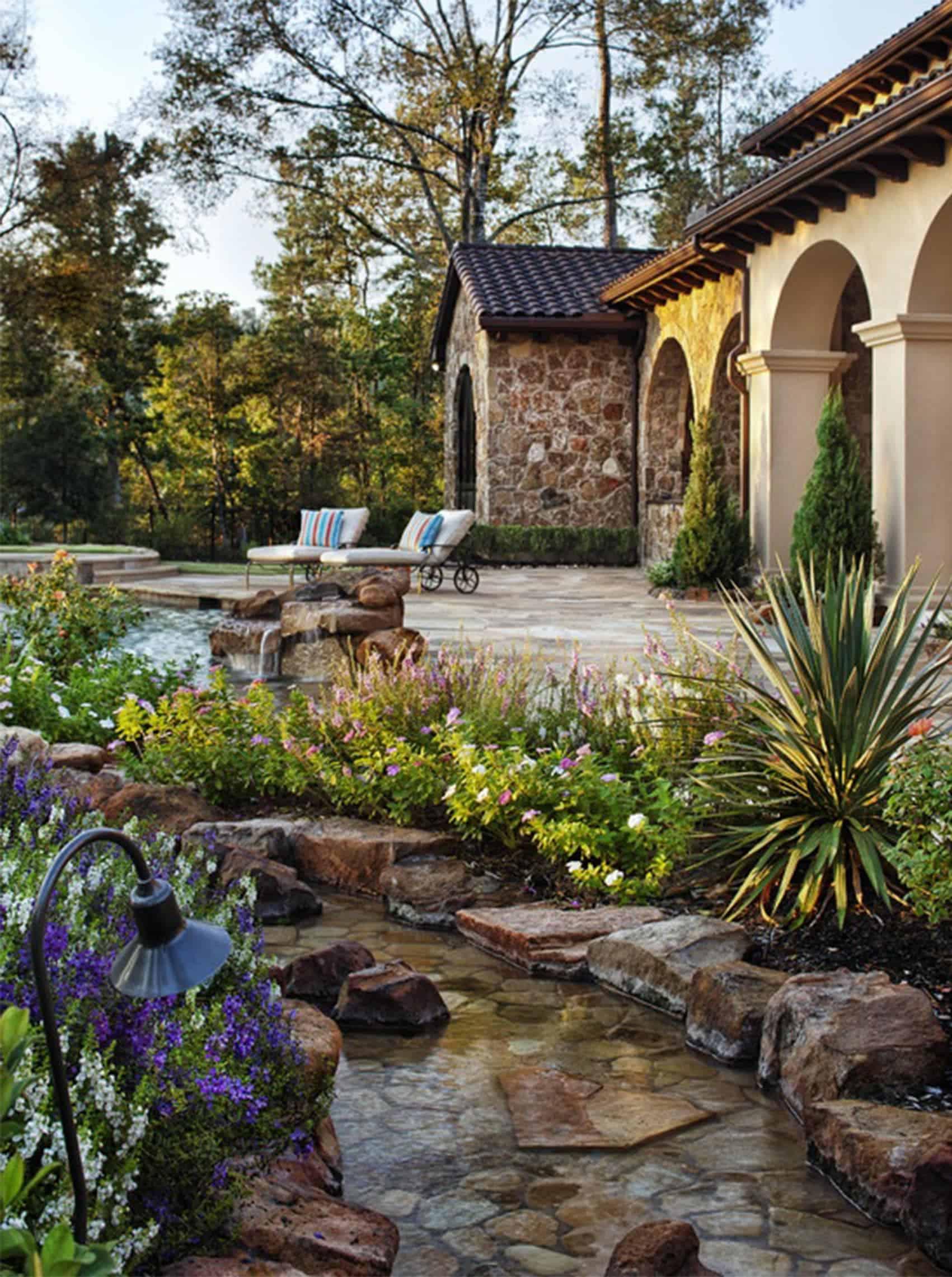 phong cách sân vườn Địa Trung Hải