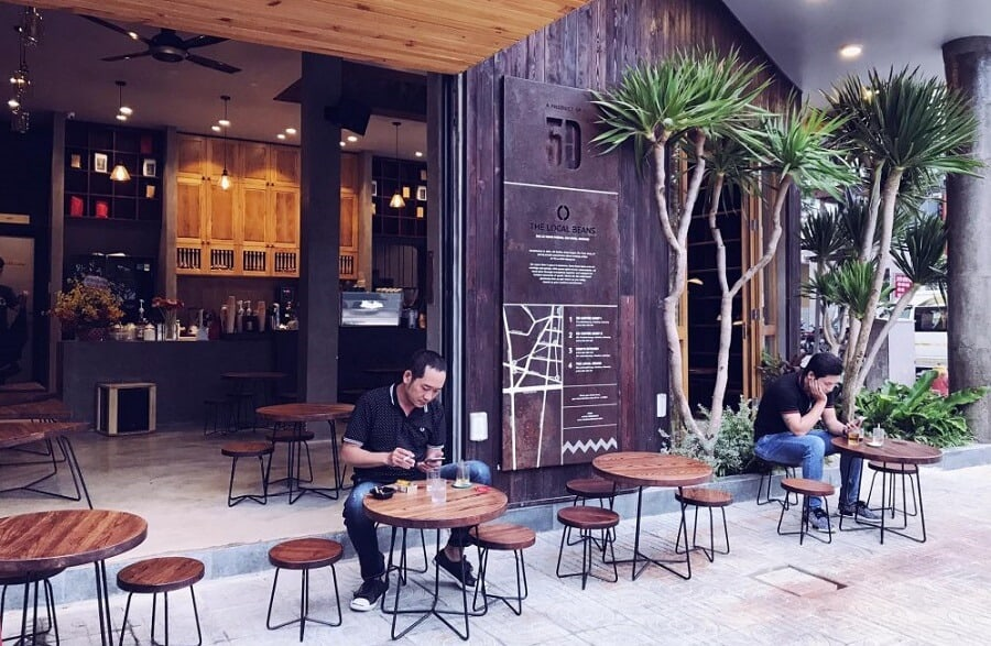 Thiết kế sân vườn quán cafe hướng truyền thống