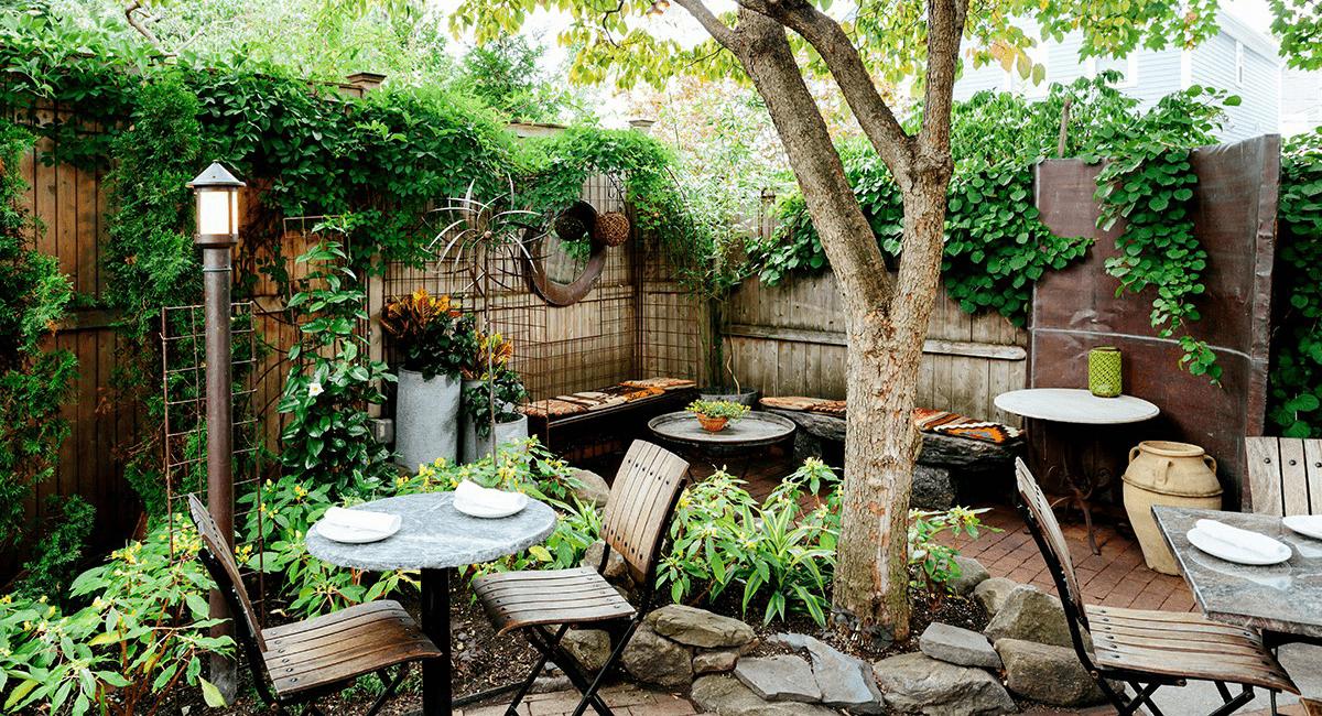 Thiết kế quán cafe sân vườn phong cách Rustic