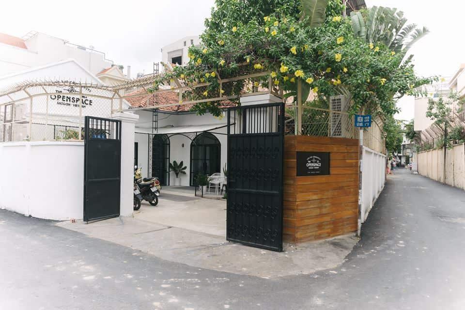 Thiết kế sân vườn quán cafe phong cách Scandinavian