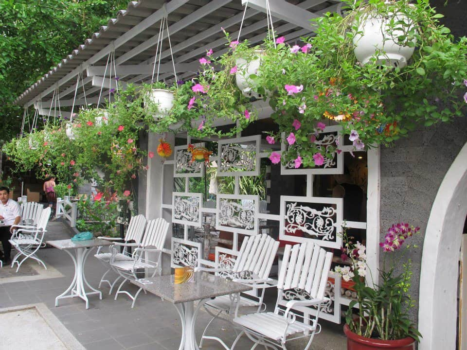 Thiết kế sân vườn quán Cafe phong cách Châu Âu