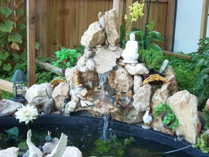 Tiểu cảnh non bộ thác nước bằng đá